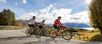 Around the Mountains Cycle Trail |  <i>Southern Discoveries</i>