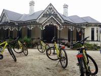 Stay at Burnside Homestead on our Alps to Ocean Cycle |  <i>Stephen Tulley</i>