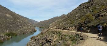 Cycling on the Roxburgh Gorge Trail |  <i>Kaye Wilson</i>